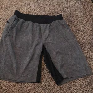 Lululemon men's work out shorts
